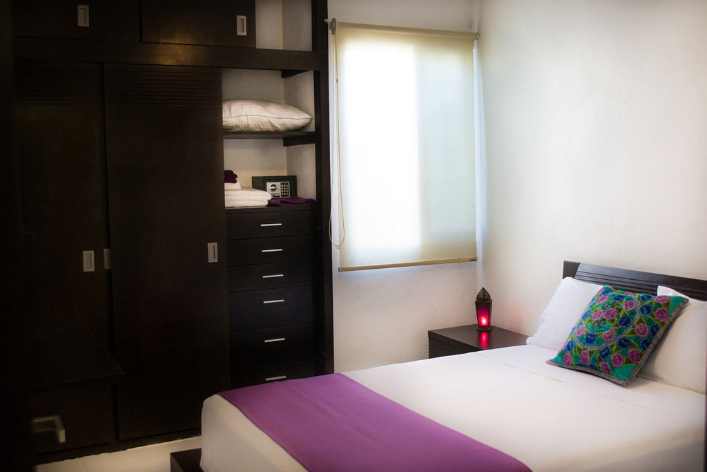Bedroom with double bed and A/C