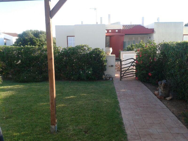 Entrada a nuestro jardín, zona privada