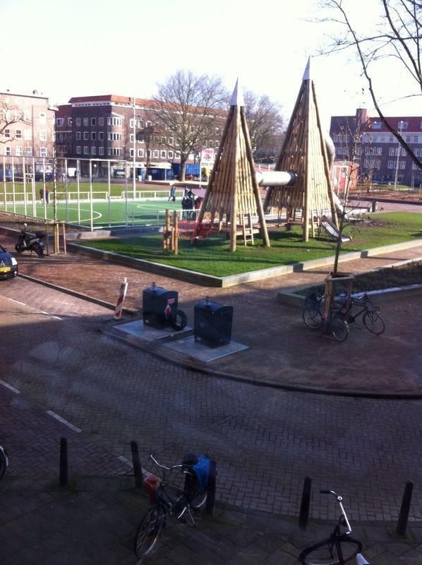 Newly renovated square: Makassarplein