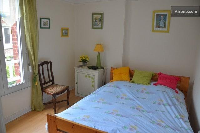 Chambre Jonquille - vue sur le jardin / Jonquille room with garden view