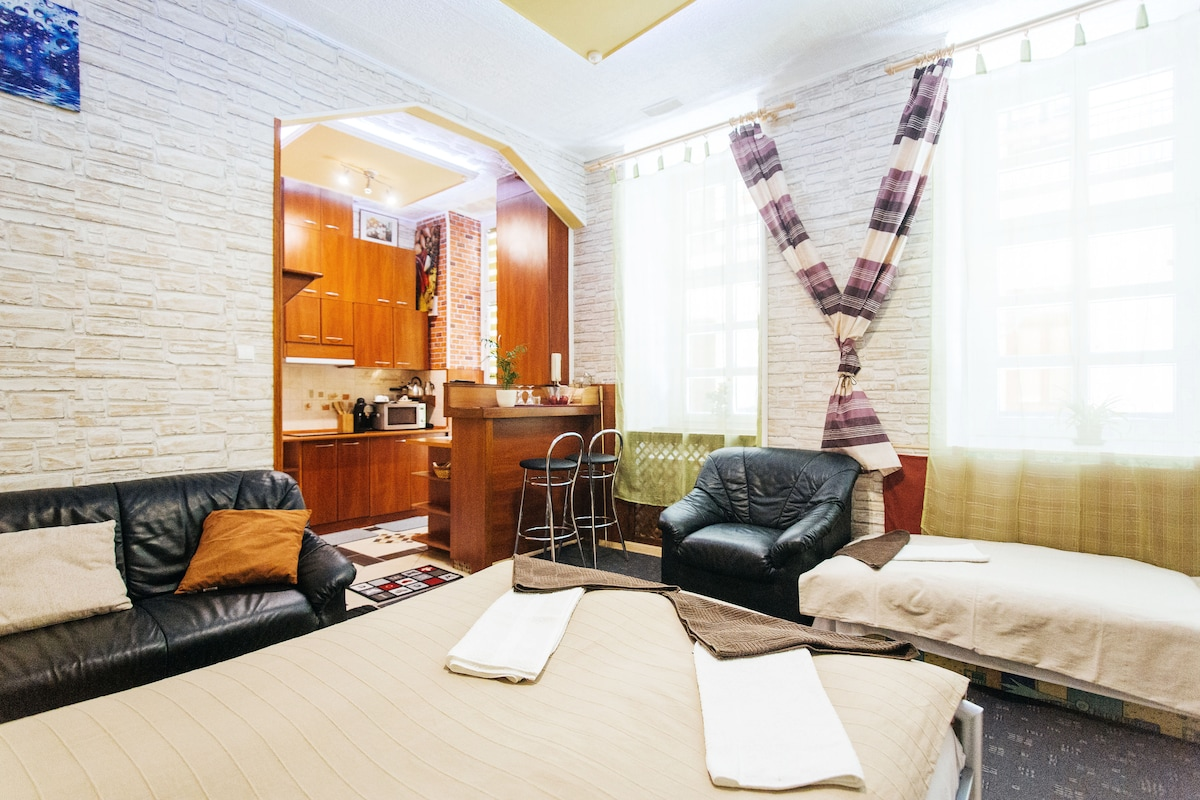 The living room                                       A nappali szoba