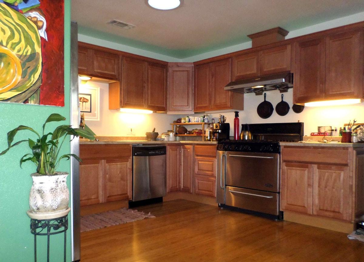 Beautiful full custom kitchen with 6 burner stovetop