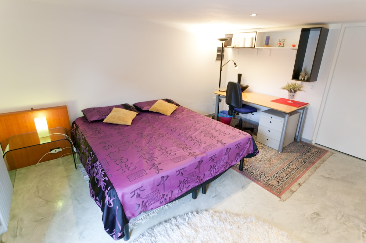 room in Padua with private entrance