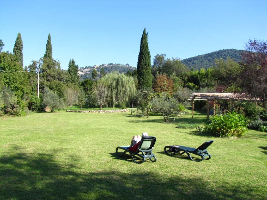 the park outside the inclose garden