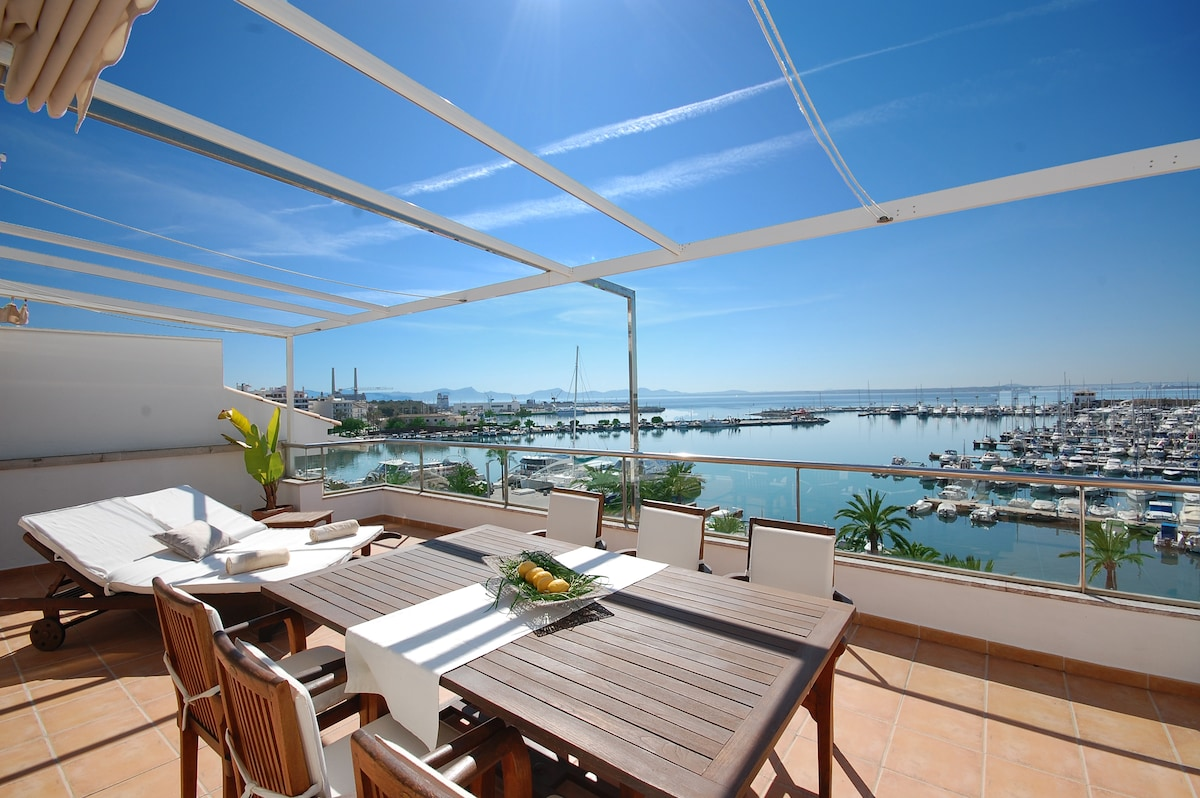 LUXURY APARTMENT WITH BEST VIEW BAY