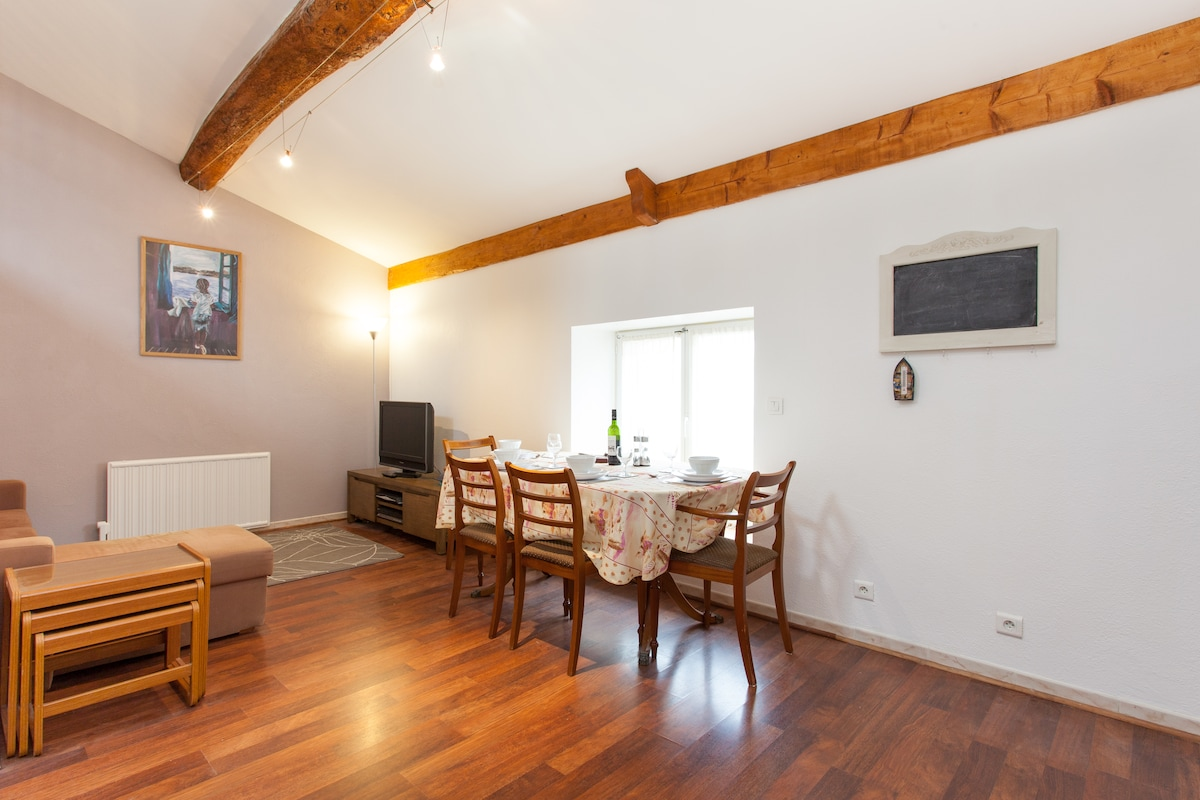 Open plan living - dining area