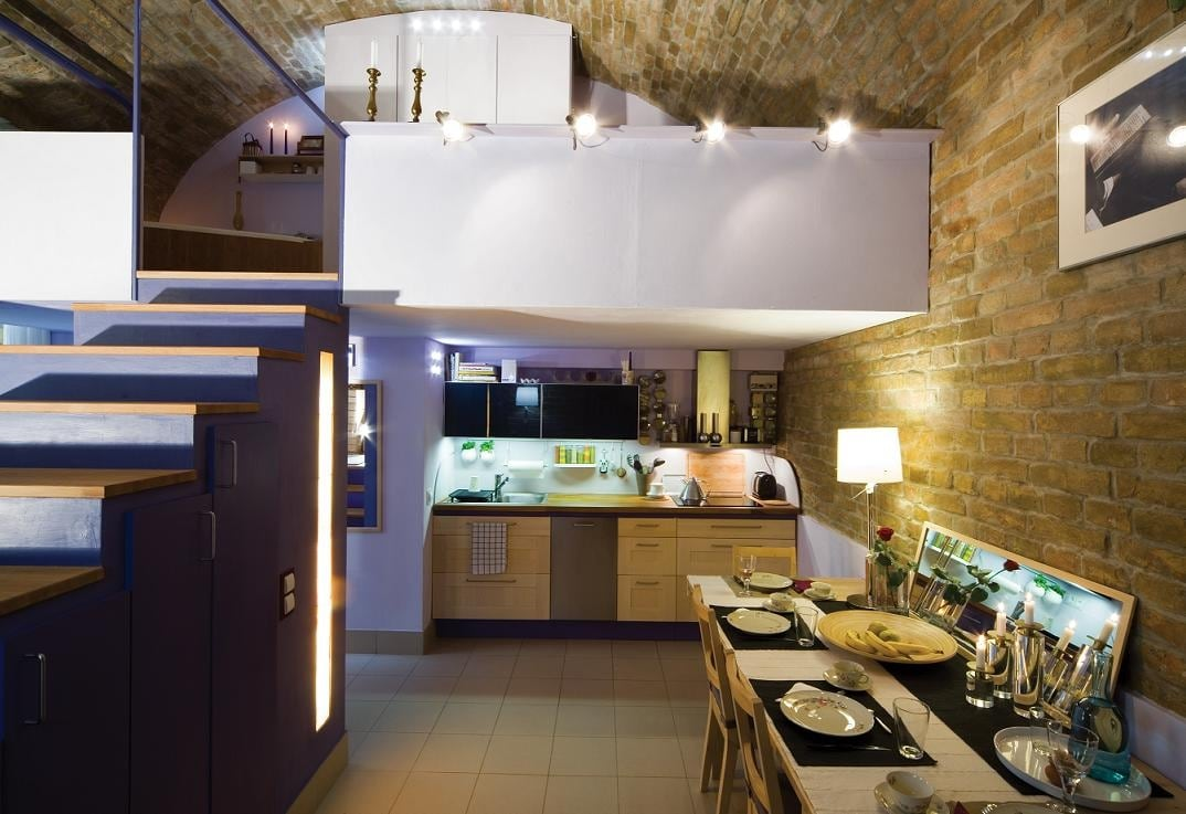 The fully-equipped Kitchen - Dining room