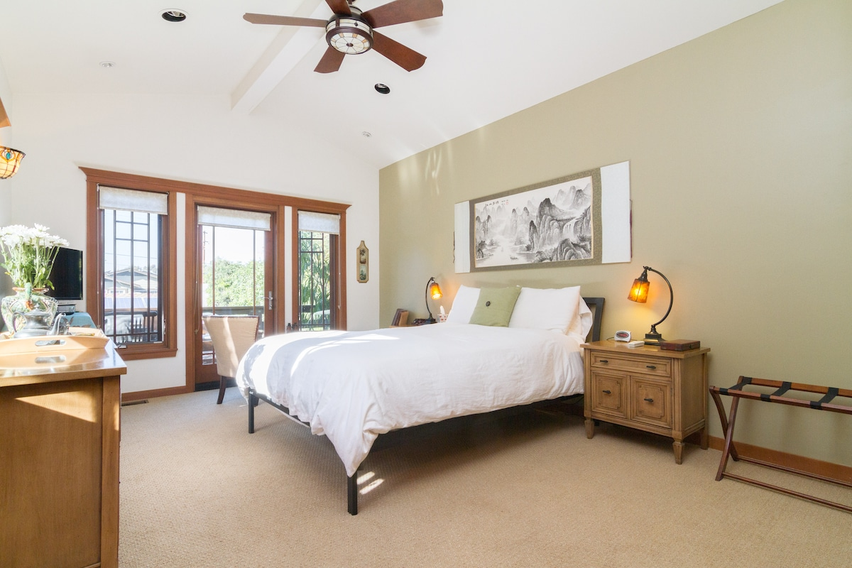 Large Master Bedroom with spa like comfy bed and linens