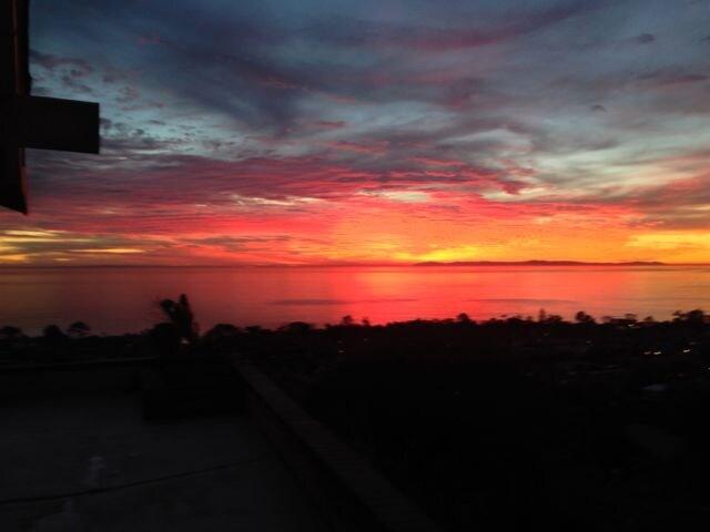 Caribbean Drive 4 Bd + Perfect View