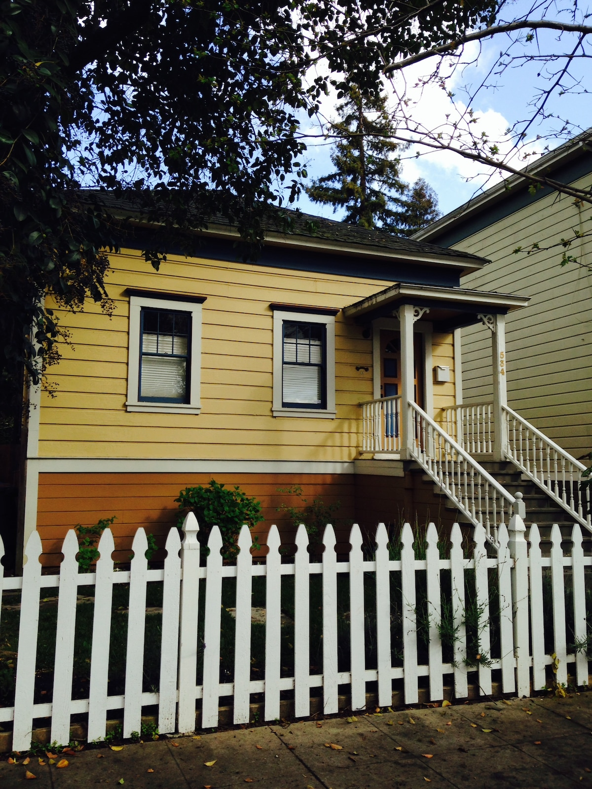 Historic bungalow one block to Napa Riverfront & Downtown