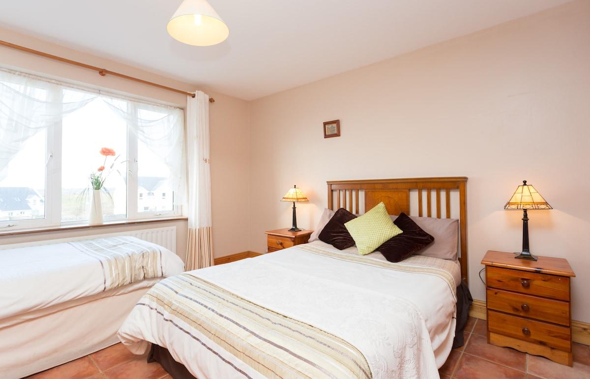 Excellent 6 Bedroom Home in Doolin