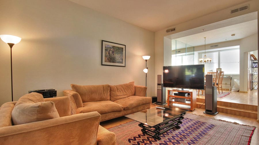 Beautiful Executive Office Townhome