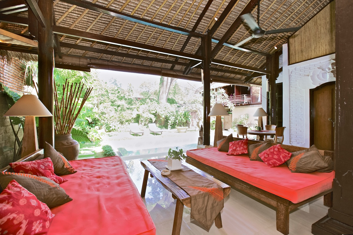 Little tree house sanur suite E