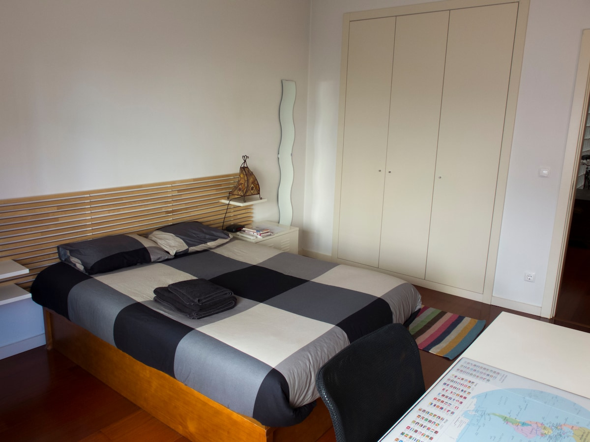 Double bed room in Lisbon Center