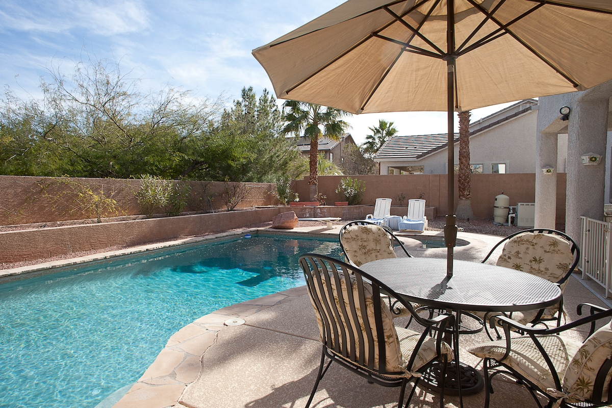 Beautiful Home close to Red Rock!