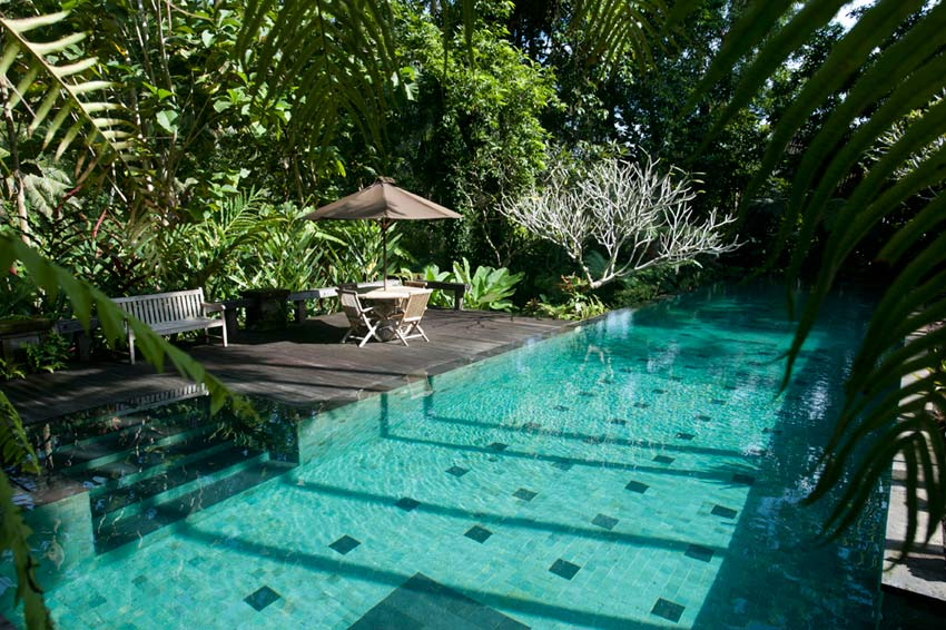 Access to 25m shared lap pool in the estate.