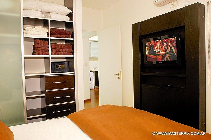 Luxury 1 Bedroom - 1 Bath - (PS14)