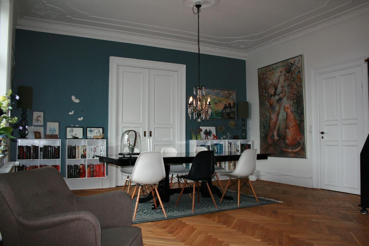 Large flat in central Frederiksberg