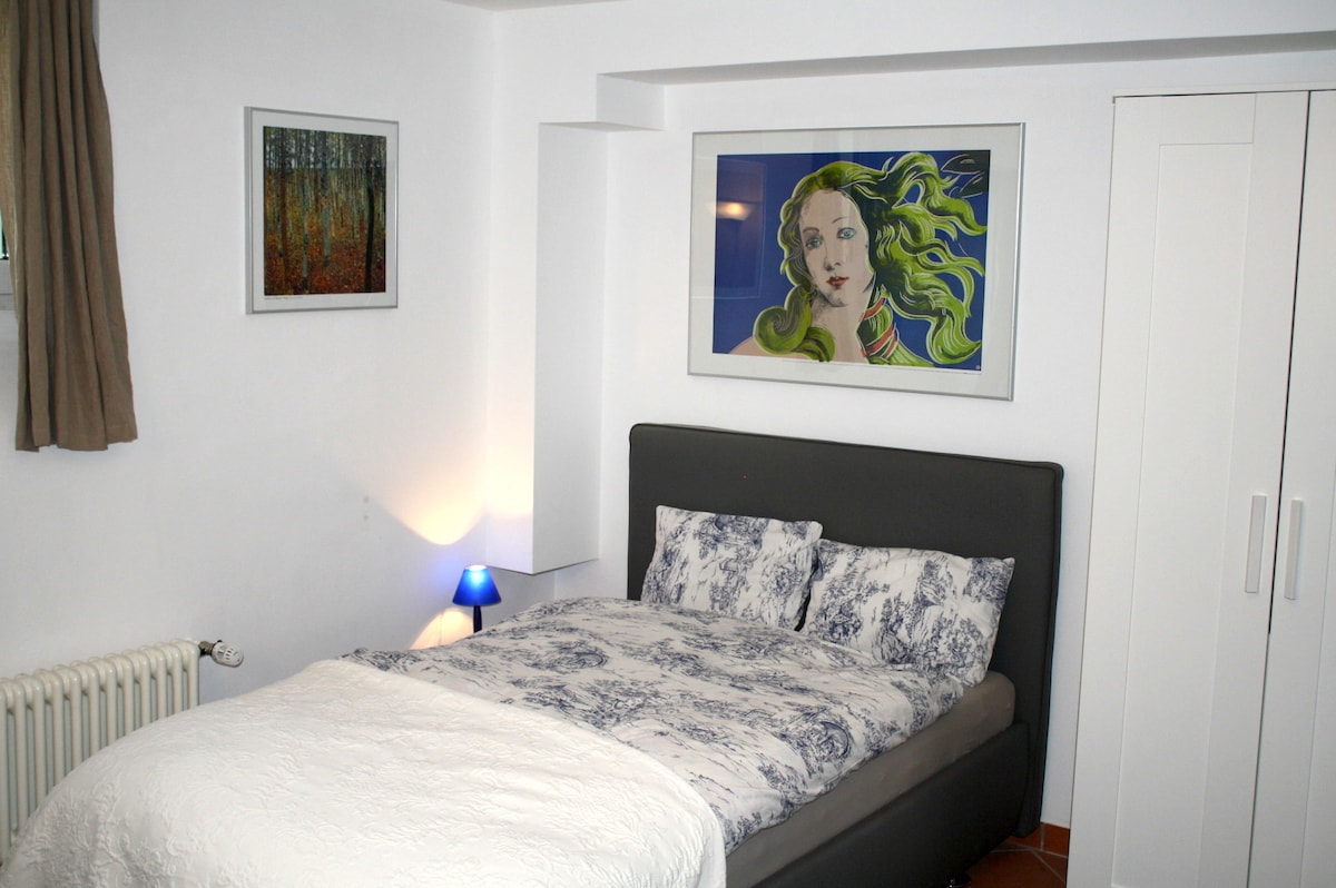 Komfortbett mit 120cm breiter Superba Deluxe Matratze