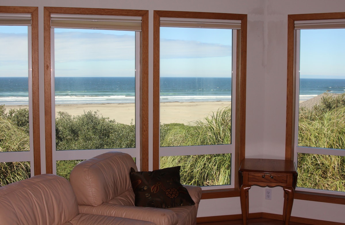 Pacific Panorama - Sweeping Views!