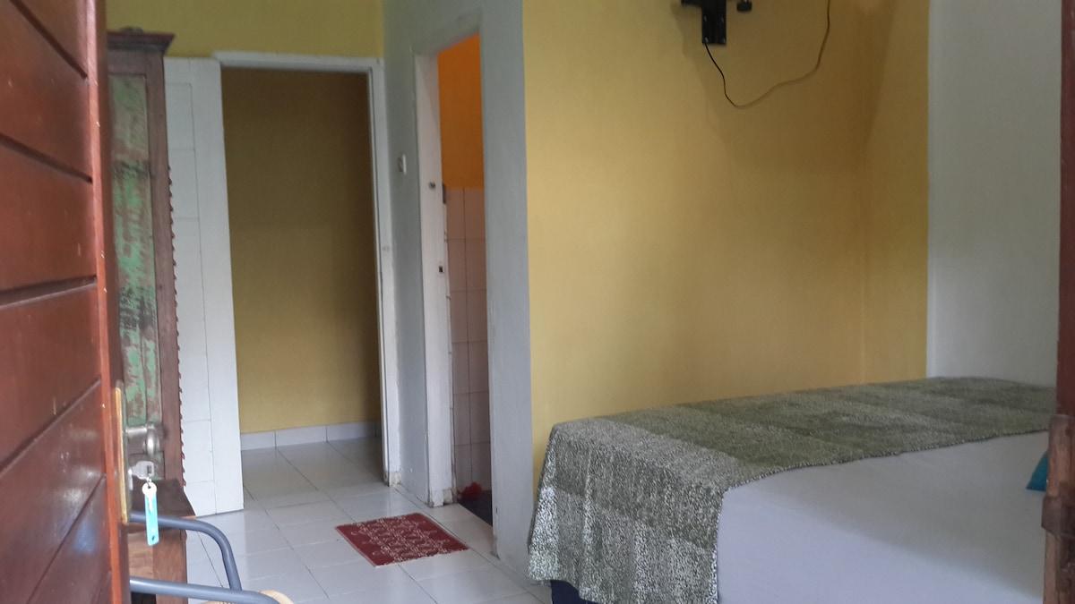 trisnagardenhouse room no.5