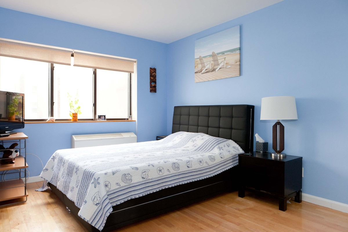 Master bedroom. I have a raised air bed (same height as regular bed) that fits in the room for 2 queen beds (and linens/blankets/pillows