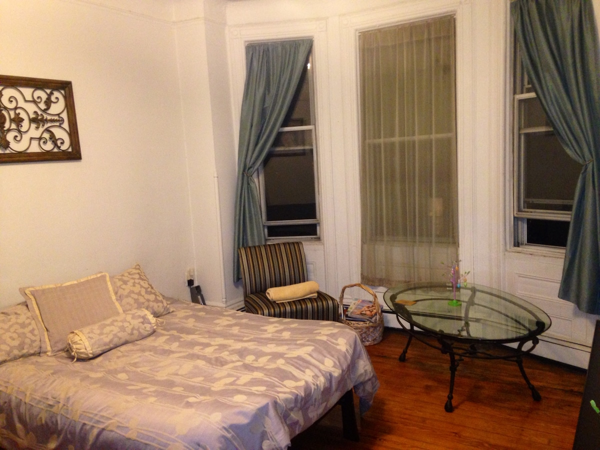Spacious Hoboken Apt 10 min to NYC