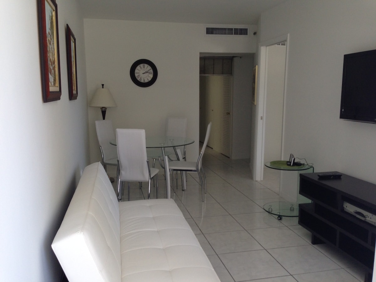 1 Bed, Balcony, South Beach (336)
