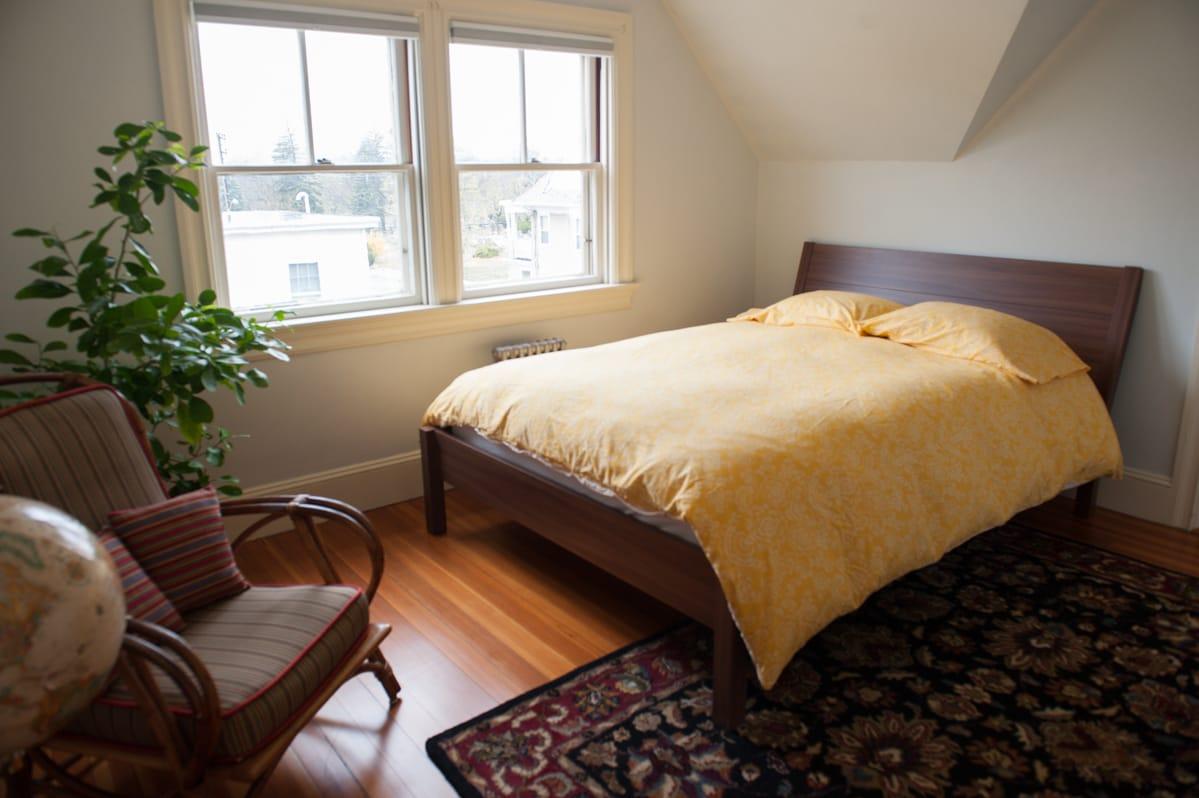 Bright Room in Private 3rd Fl Suite