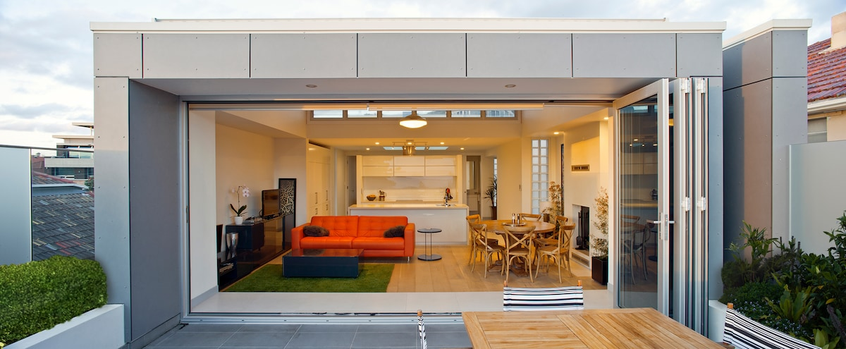 Living areas open to terrace