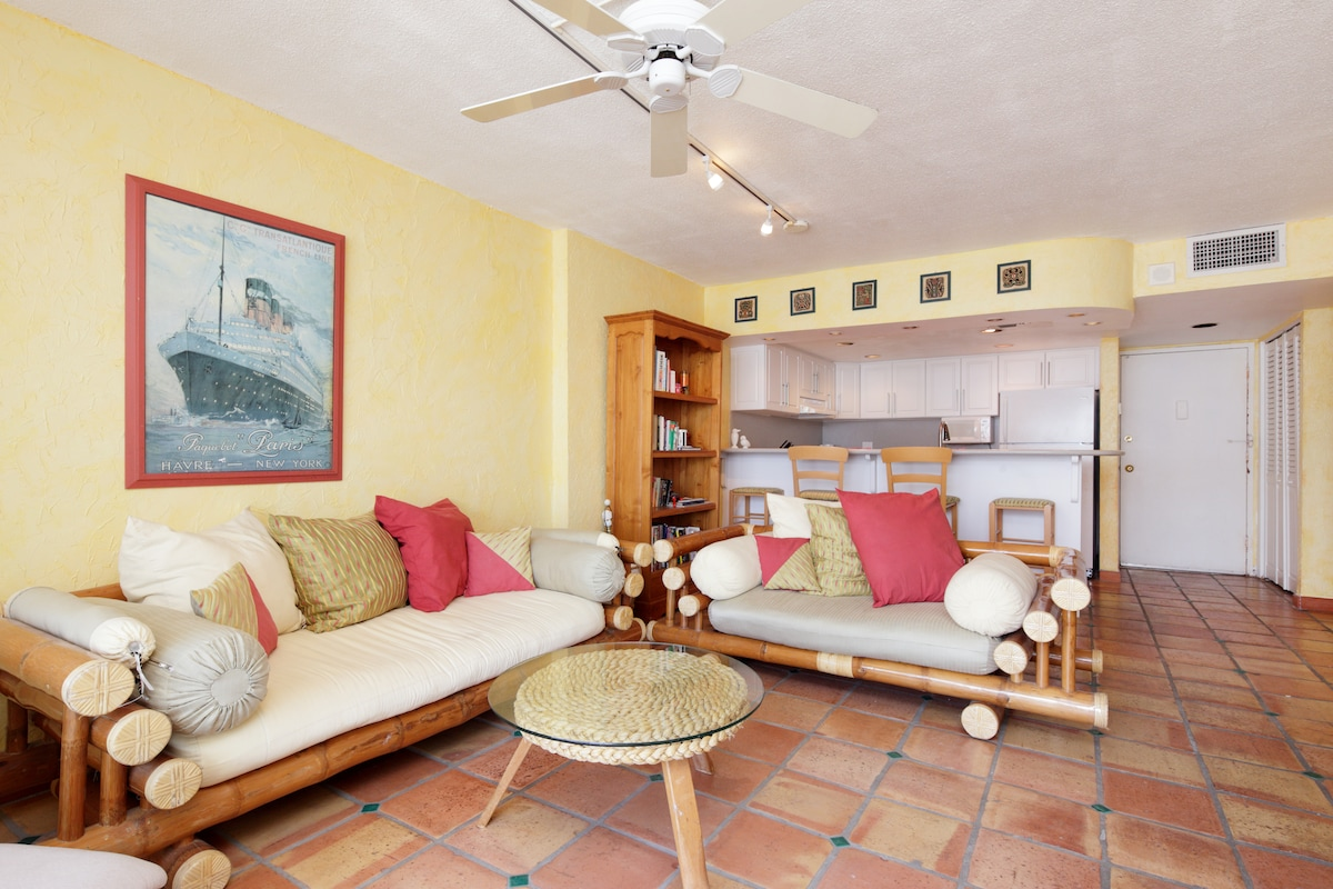 Enjoy Ice Cold Central Air Conditioning In This Beach Front Oasis