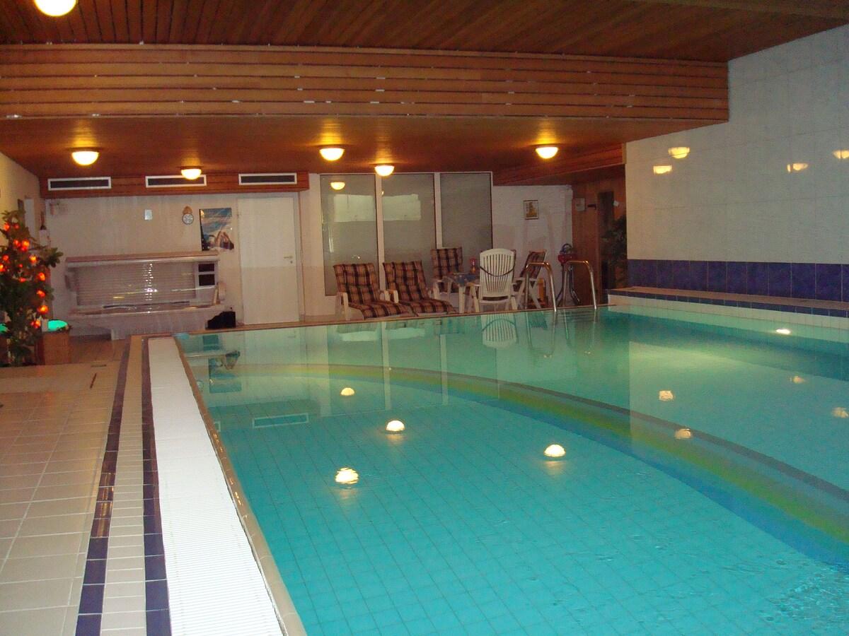 100qm, 26 ° , Entspannung im Poolbereich