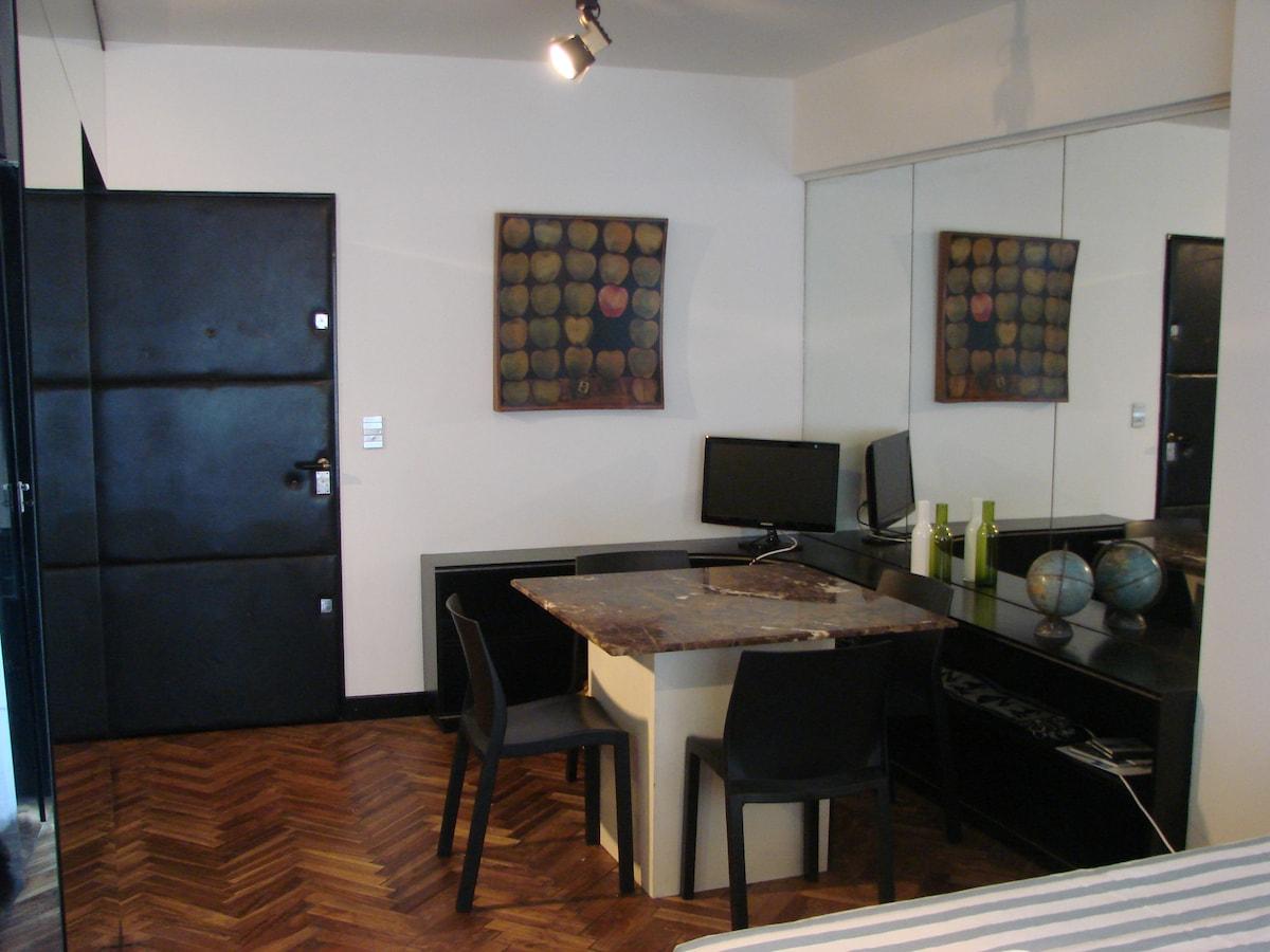 Studio at Recoleta Best Barrio!