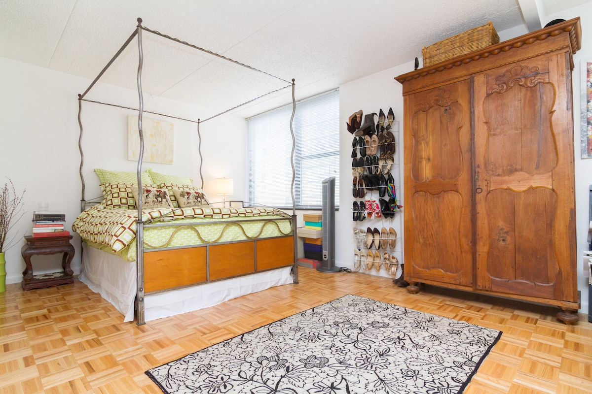 Spacious apartment with room to unpack your suitcase
