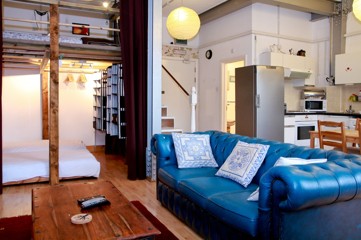 Self-Catering Loft-Studio Apt