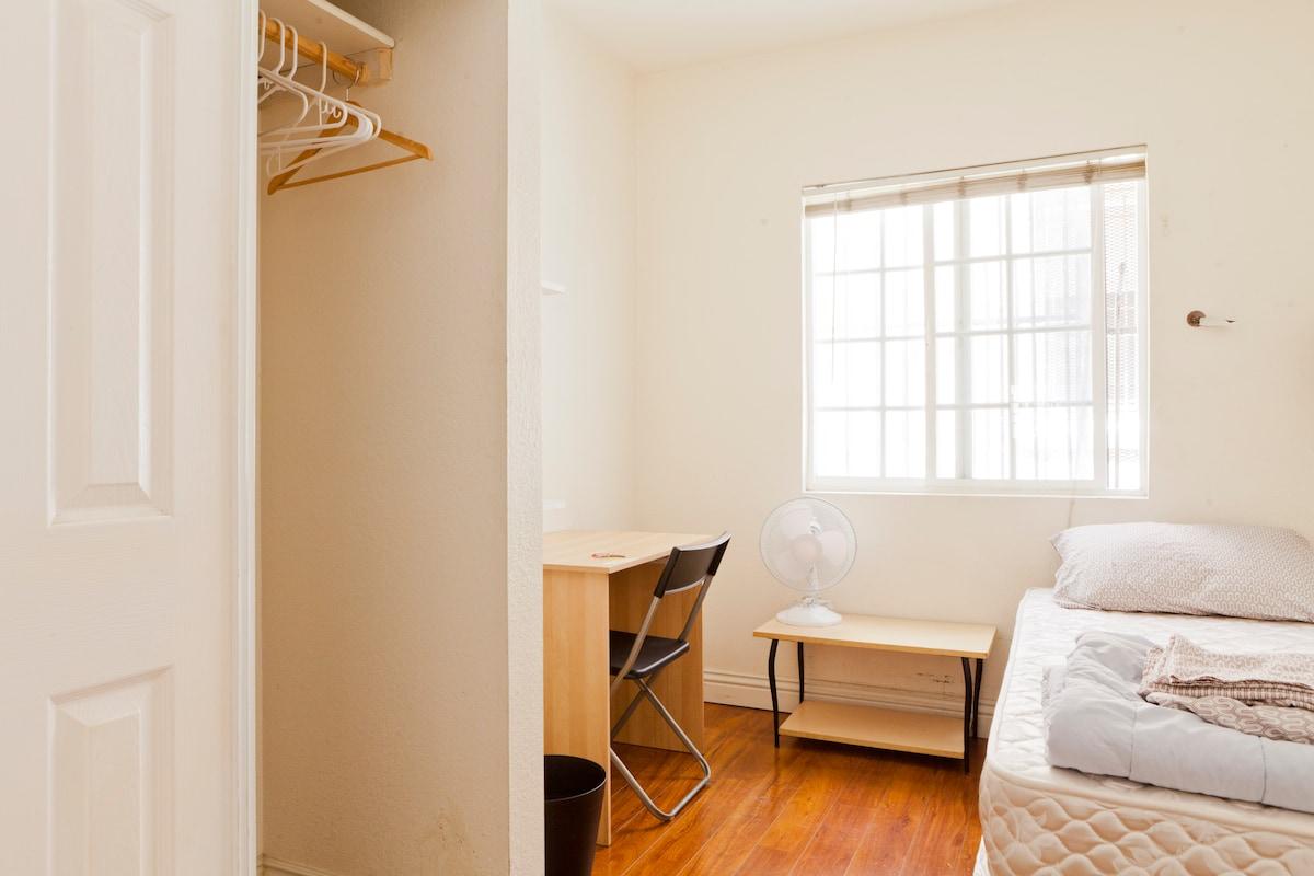 The best little room in LA!