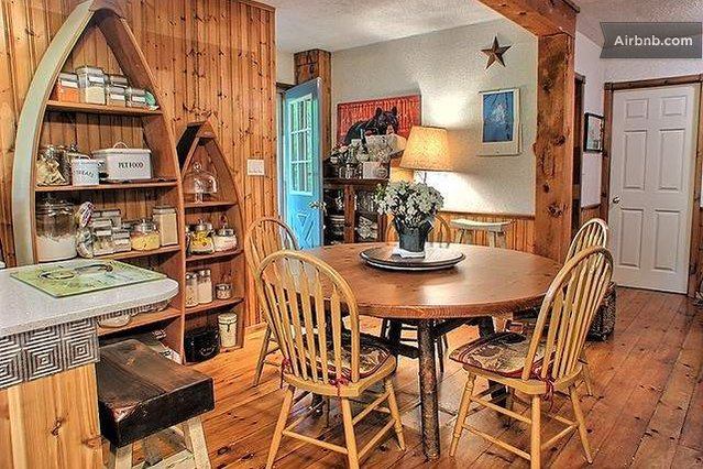 Small Bunkie House for 2 in Muskoka