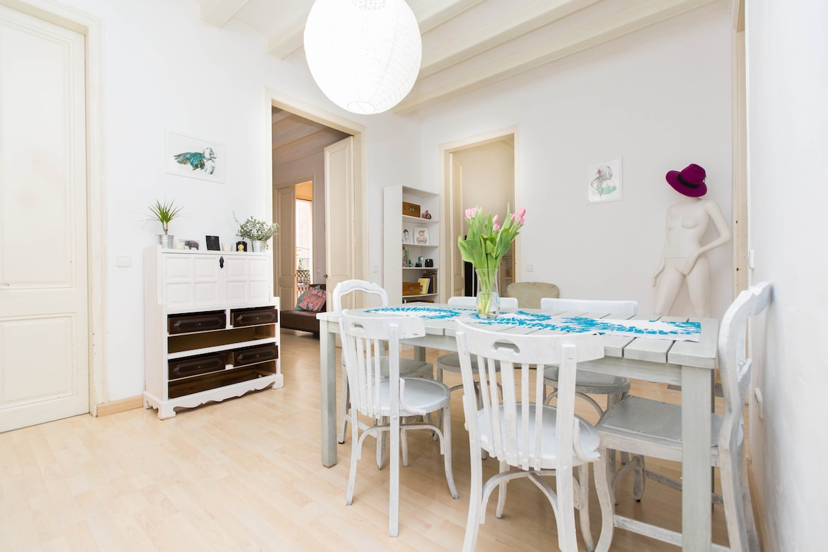 Stylish double room in El Borne