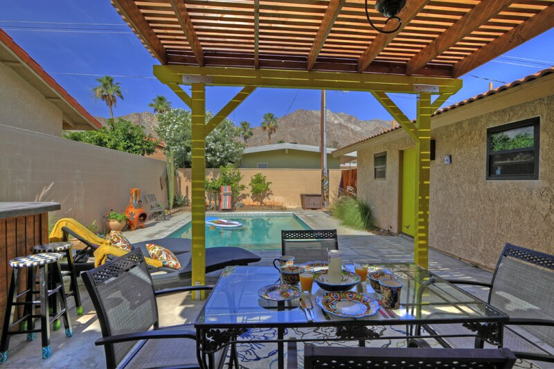 Whole house in La Quinta Cove--Pool