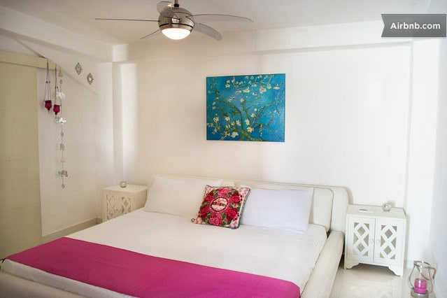 2 bedroom house, one King one double bed, WIFI & A/C