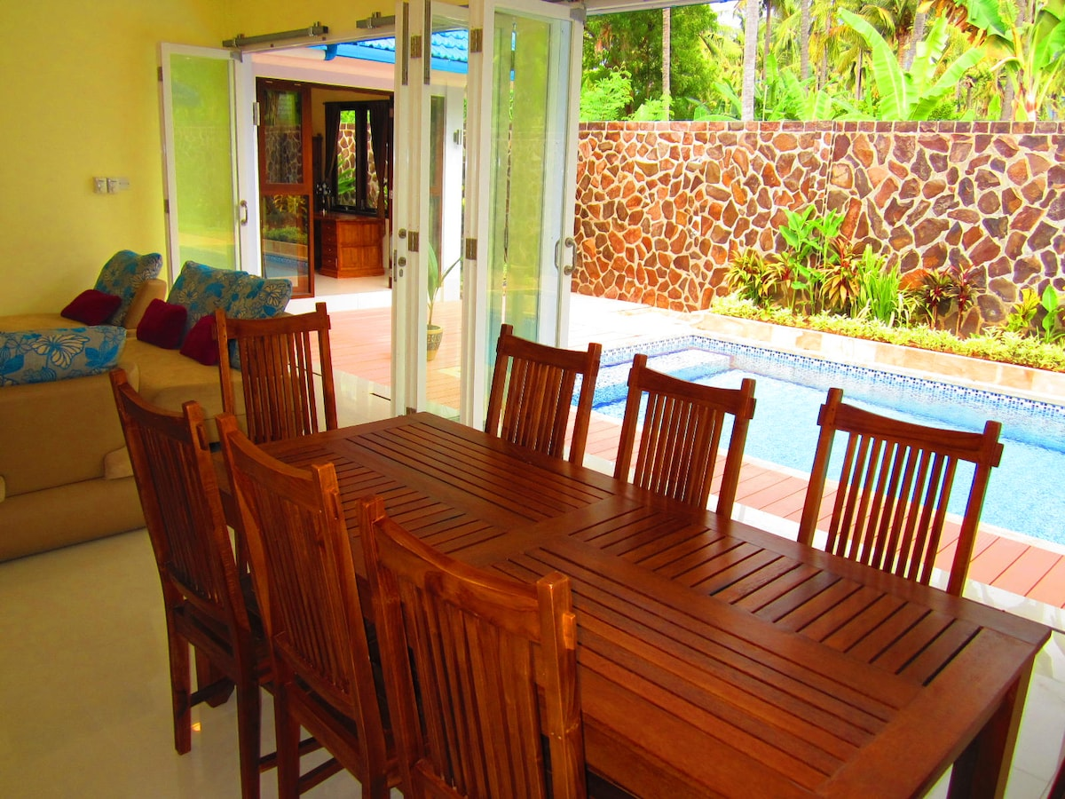 2 BR Villa easy walk Central Lovina