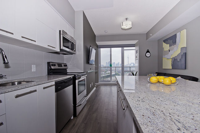 2 BD Penthouse in Liberty Village