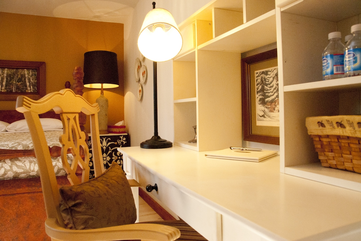 Chestnut Cottage ~ Desk has pull out drawer for writing when laptop occupies the desk surface.