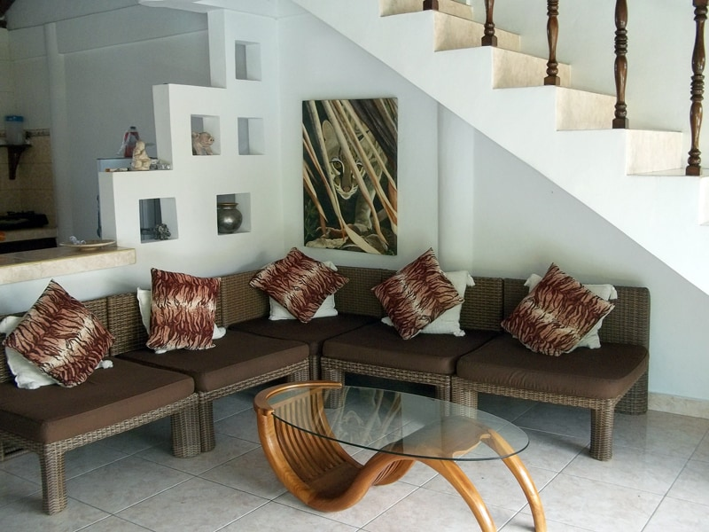 Ample seating inopen living room with cathedral ceilings