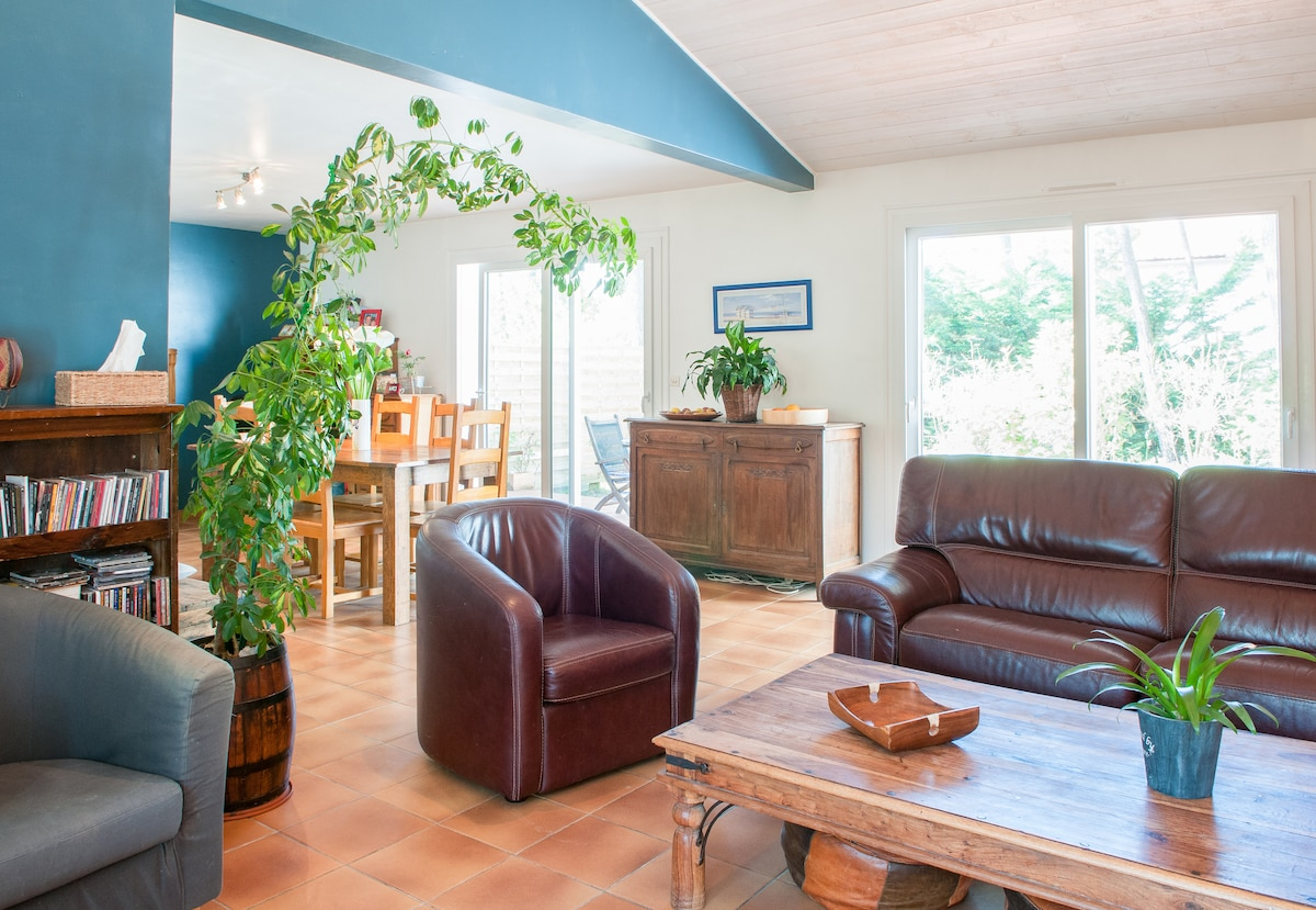 B&B in  pinewood 2km from the beach