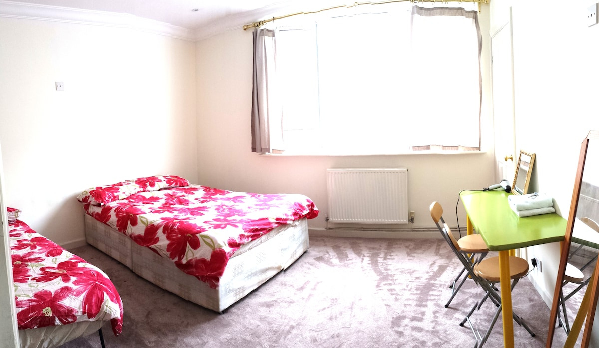 Family Room for 4 Zone 1 London