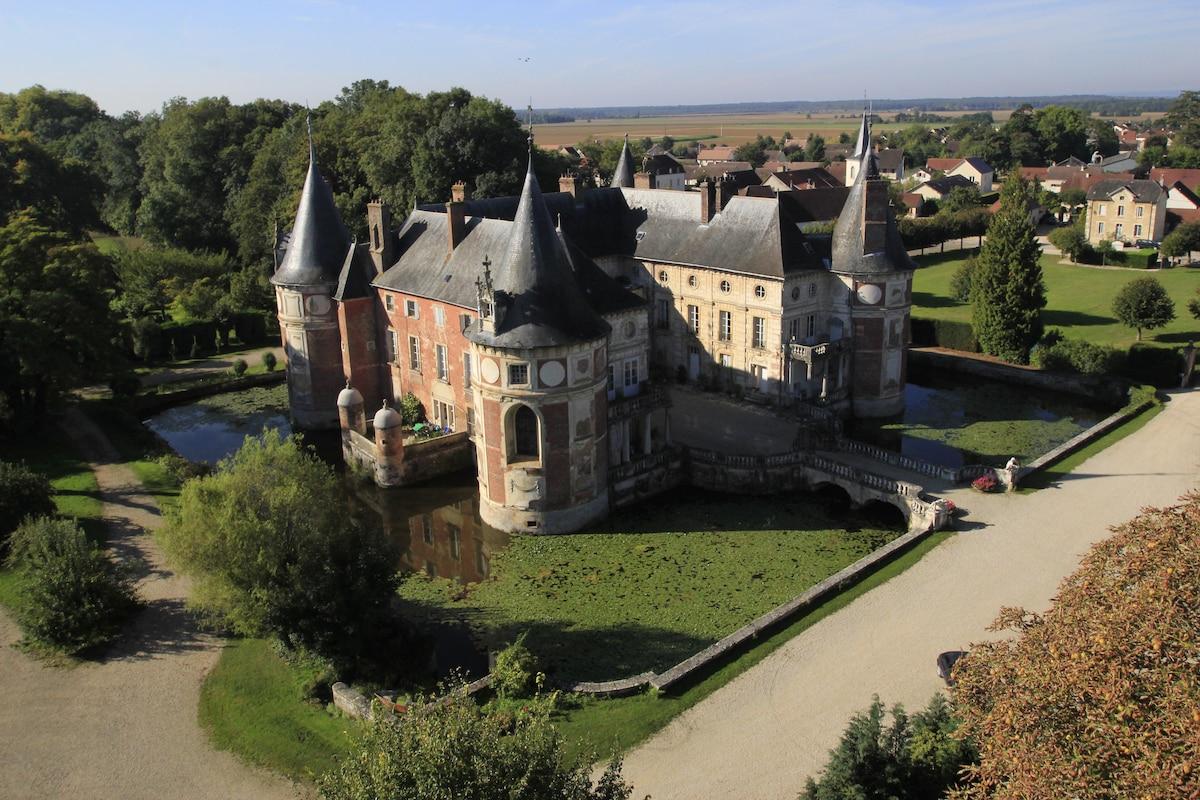 "B&B Château Longecourt ""Louis XVI"""