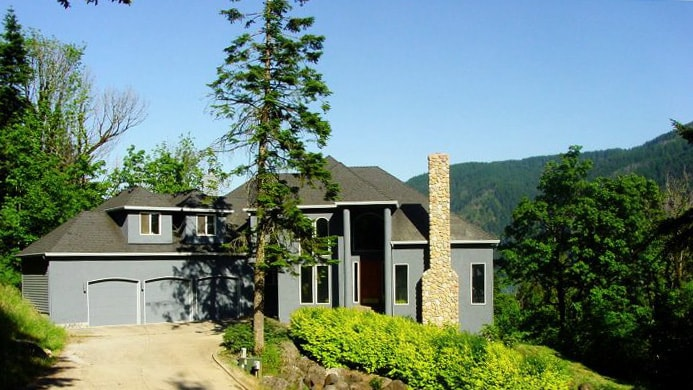 With a view of the Columbia, the Cascades and Multnomah Falls, our home is very private and secluded.
