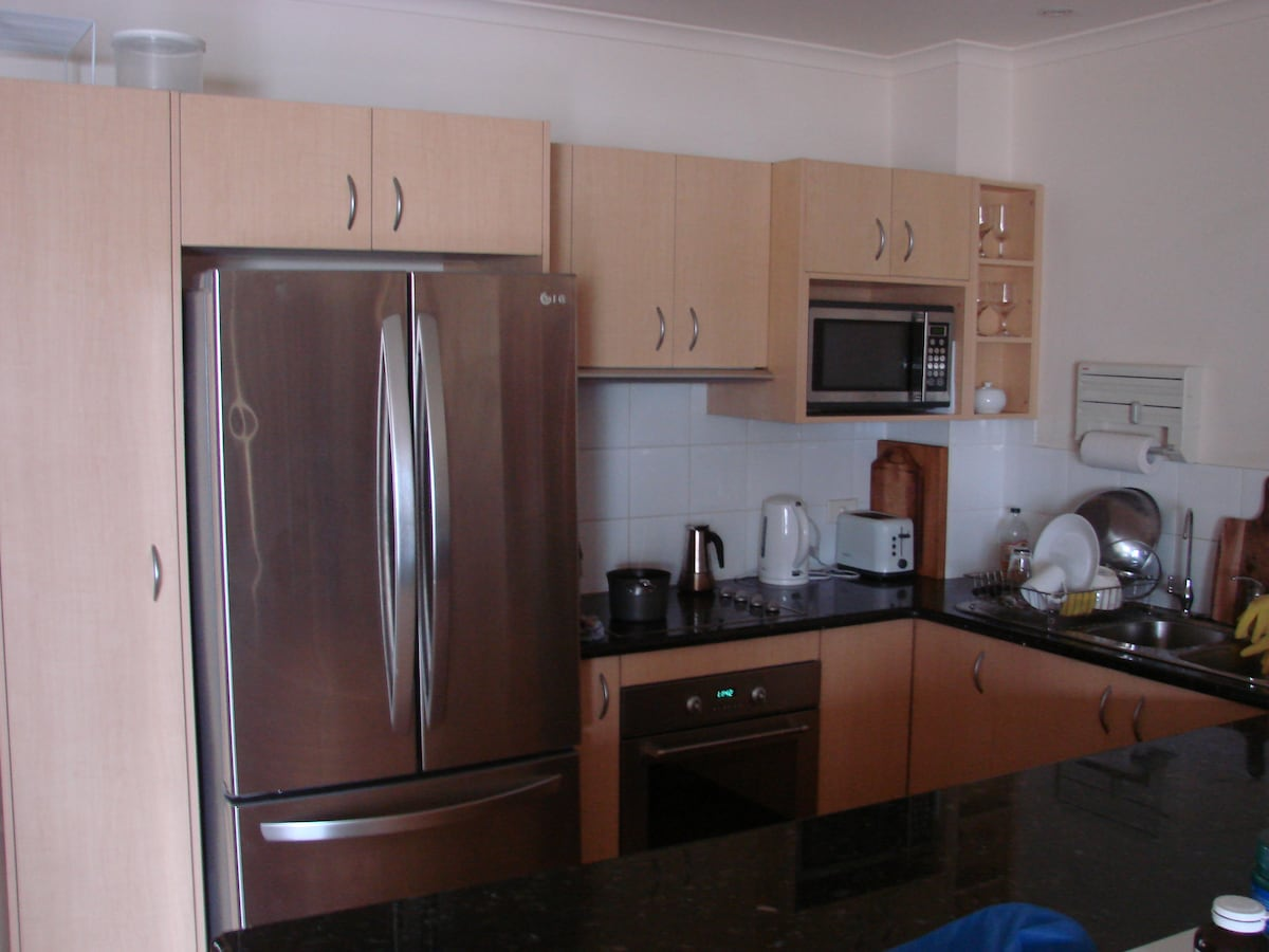 Modern kitchen with amenities for 8+ persons