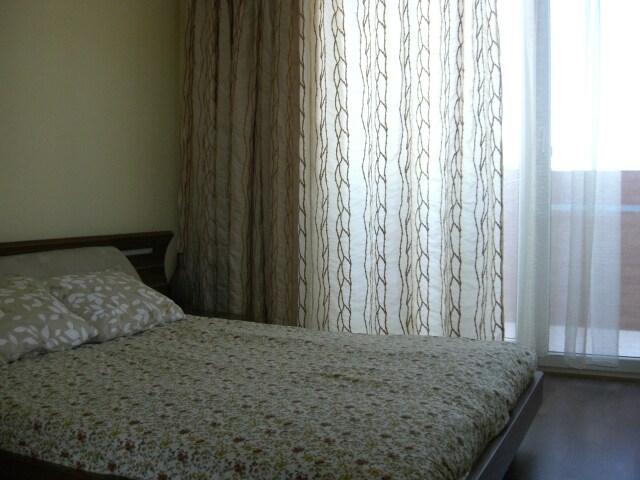 Double bed, полноразмерная кровать